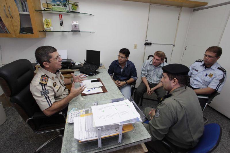 Prefeito Júnior reivindica maior efetivo de policiais militares para o Eusébio