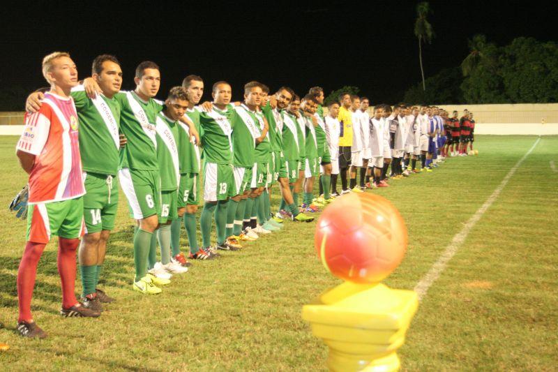 Prefeitura apoia equipes de futebol amador