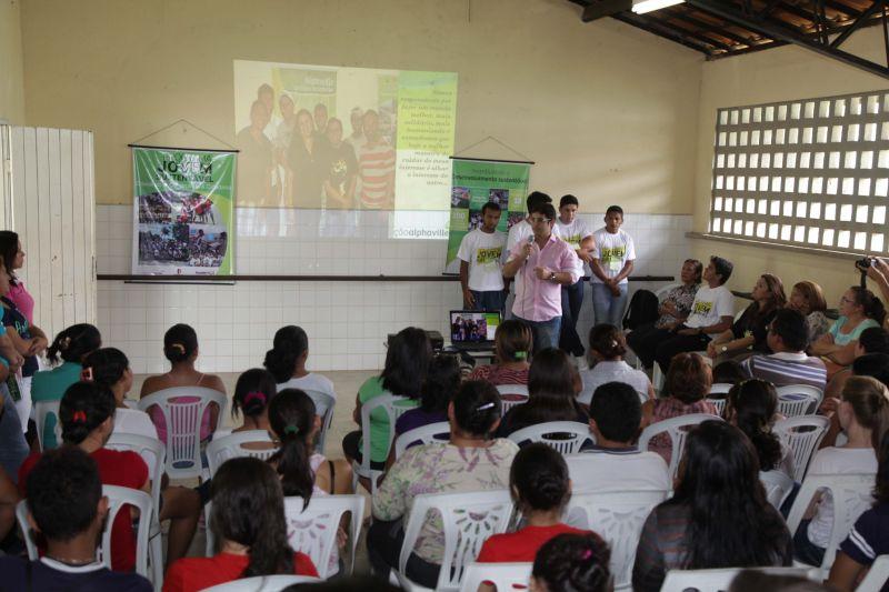 Bairro Santo Antônio recebe programa Jovem Sustentável