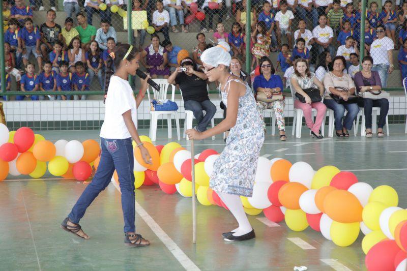 Escola do Cararu realiza o I Sarau de Poesias