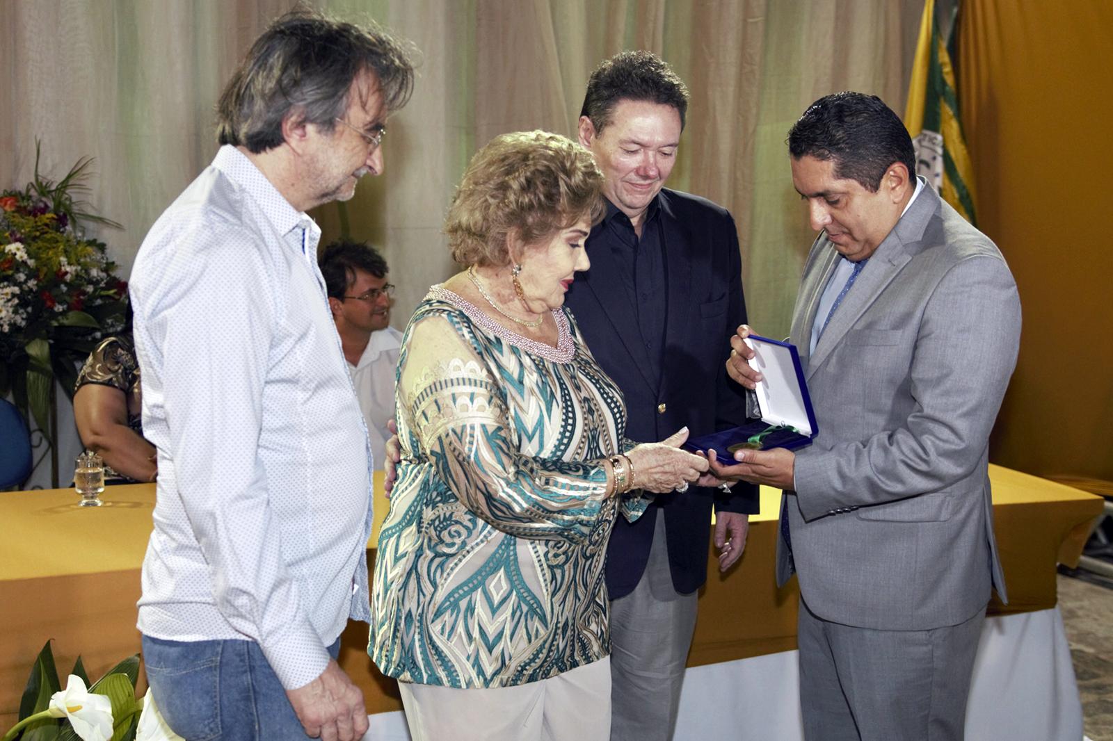 Eusébio realiza noite de homenagens 'in memoriam' ao empresário Ivens Dias Branco