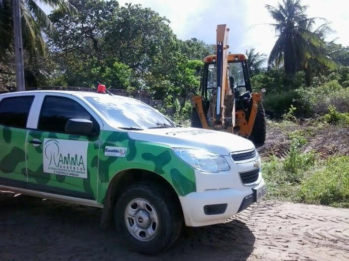 AMMA e Secretaria de Obras desobstruem ruas