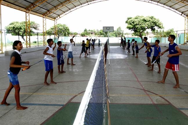 Eusébio introduz badminton nas escolas