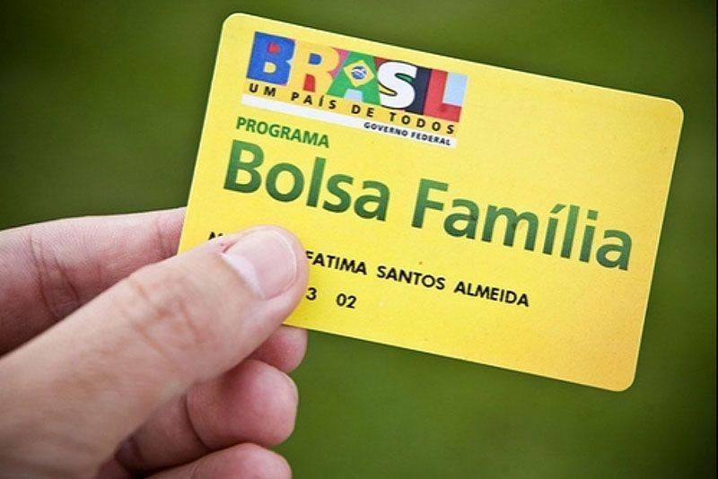 Beneficiários do Bolsa Família de Eusébio devem informar mudança de escola dos filhos