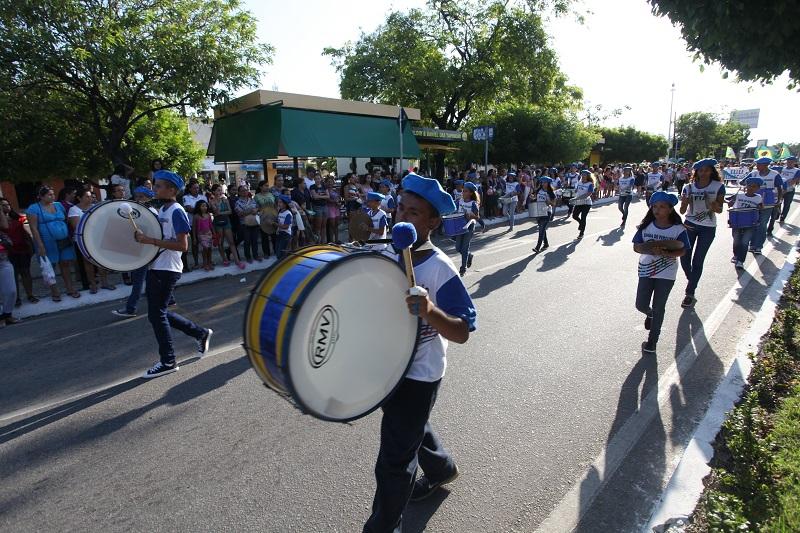 Eusébio encerra desfiles cívicos com grande festa na Sede