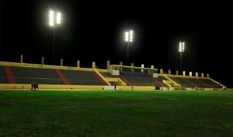 Estádio Municipal tem nova iluminação