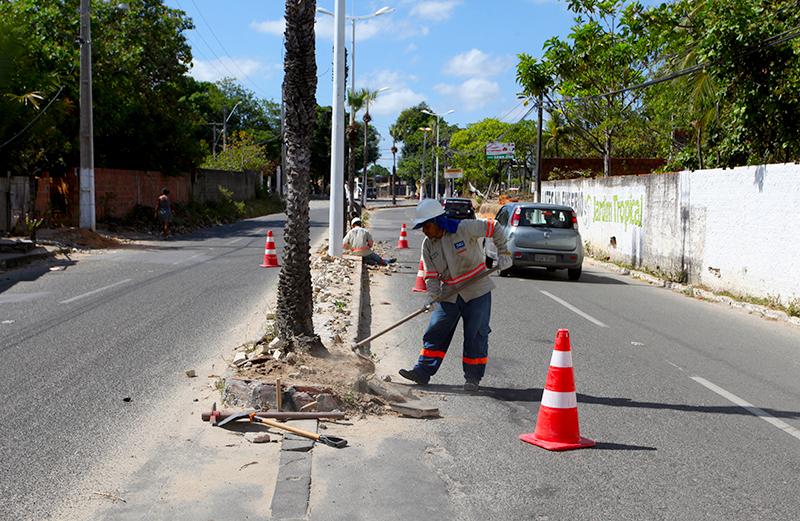 Prefeitura de Eusébio implanta nova iluminação nas Avenidas Cícero Sá