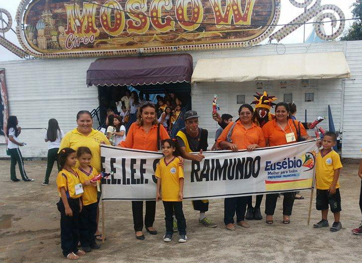 Escola São Raimundo leva crianças ao Circo Moscow