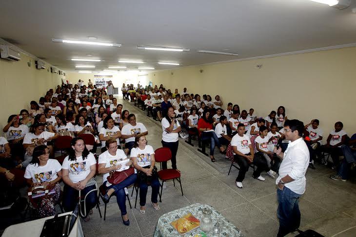 Eusébio realiza seminário do projeto Ondas da Leitura