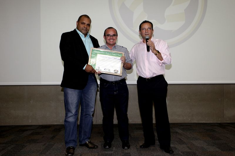 Eusébio recebe prêmio Município Destaque no Esporte Amador 2013