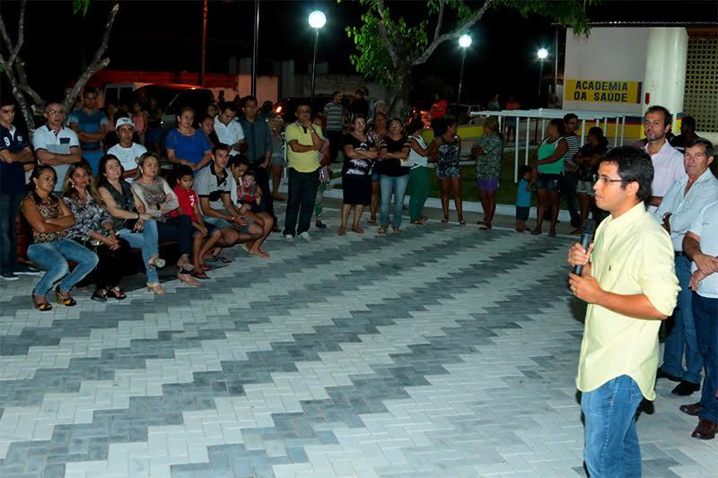 Prefeito Júnior inaugurou a Praça da Mangabeira e Academia de Saúde